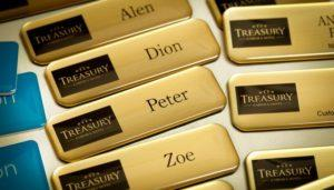 Ecusane 3D aspect impecabil impact maxim ecuson dupa care esti recunoscut mai usor nume logo aspect auriu lucios